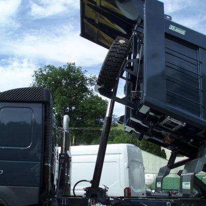 S1H-Verlängerter Aufbauschild zur besseren Schutz des Fahrerhauses