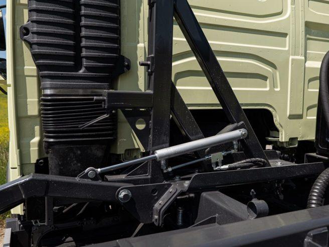 Hydraulický držiak rezervného kolesa (2)